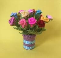 Вязаные цветы, розы. Размер – 27 см. Материалы – акриловая пряжа, проволочный каркас.  Цена указана за один цветок.