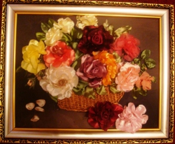 """Картина """"Розы в корзине""""выполнена атласными лентами, может стать прекрасным украшением, создаст уют и романтику в интерьере вашего дома...."""