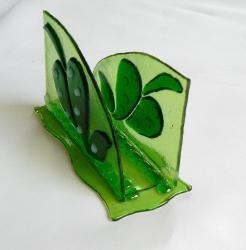 Салфетница из стекла ручной работы, изготовленная по технологии фьюзинг. Размер 12х5х7см. Сделаю на заказ. Изготовление возможно по ваших размерах и в выбранной гамме цветов. Срок изготовления 5-7 дней. Точная копия не возможна.