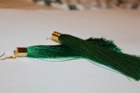 Сережки-китиці мають насичений зелений колір які підкреслі золотистими деталями. Довжина китиці - 12,5см.