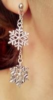 Зимние  романтические серьги -снежинки.