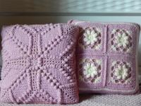Чехлы несъемные, стирать вместе с подушкой. Размер 30*30 см