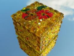 Шкатулка из стекла ручной работы, изготовленная по технологии фьюзинг. Размер 7,5х7,5х5 см. Сделаю на заказ. Изготовление возможно по ваших размерах и в выбранной гамме цветов. Срок изготовления 7-10 дней. Точная копия не возможна.