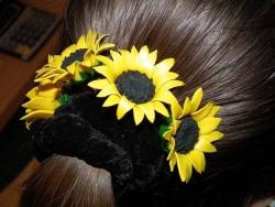 Шпильки для волос.Будут отличным украшением вашей прически.Подсолнухи и Маки 1 шт- 15 грн