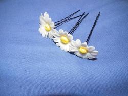 Шпильки для волос.Будут отличным украшением вашей прически.Ромашки и Золотые Лилии 1 шт.-15 грн.