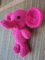 Слоник выполнен из акрила, наполнитель-холофайбер, гдазки-бусины. Игрушка для игры малышей, а также замечательный сувенир