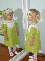 Яскрава сукня для дівчинки з пов