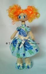 Очаровательная куколка полностью сшита вручную. Ручки и ножки двигаются, самостоятельно стоит. Яркая, как солнышко, всегда поднимет Вам настроение, будет отличным подарком для друзей и родных.