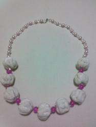 """Ожерелье сделано из """"сожмуренных"""" тканевых бусин, бисера и бусин. Длина-69см"""