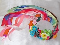 Украинский традиционный венок с маками, ромашками, васильками, калиной и ещё несколькими видами цветов . Много лент! длинна лент до пояса. Основа в веночке медная проволока + картон+ оплётка в два слоя атласной лентой. Размер регулируется резинкой под лентами.