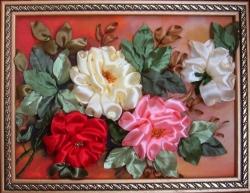 Ветка роз выполнена атласными лентами и бисером на качественном принте. выполню с удовольствием этот заказ для подарка или пополения интерьера вашего дома....