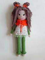 Вязаная кукла станет прекрасным подарком для вашего ребёнка или как украшение интерьера.