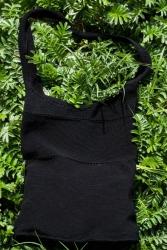 Вязаная сумка с маками из бисера