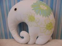 """Интерьерная подушка-игрушка """"Слон"""" с аппликацией. Из трикотажа (подкладка - коттон). Наполнена холлофайбером и хорошим настроением! Высота 35 см, ширина 39 см"""