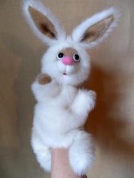 Игрушка - перчатка для домашнего кукольного театра. Авторская работа,повтор возможен. Размер подходит для женской и детской  ( 7 - 10 лет) руки. Материал - искусственный мех.