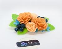 Заколка для волос из фетра с добавлением декоративных ягод в сахаре. Гармонично сочетается с разными стилями одежды. Нежно смотрится в волосах. Подходит как женщинам, так и маленьким принцессамм))