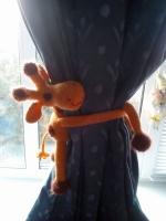 Жираф-держатель для штор